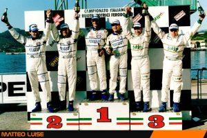 All'esordio nel Campionato Italiano 2 Ruote Motrici 1998 Matteo Luise è terzo assoluto dietro Travaglia e Deila